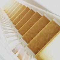 Treppe modern hell