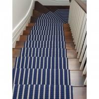 Treppenteppich blau